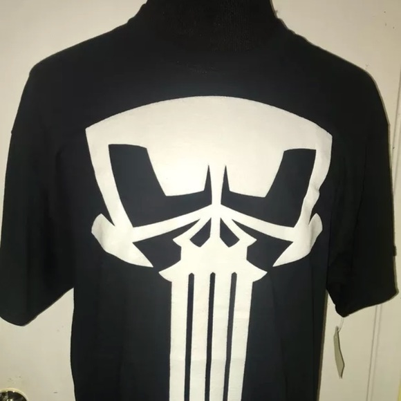 586dc4e55f18ed J&R Apparel Shirts | Mens Punisher Retro Skull Tee Xlnwt | Poshmark